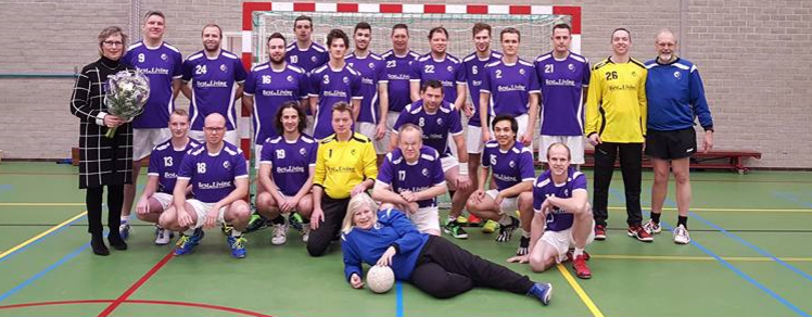 cropped-newherenteamfoto1.png